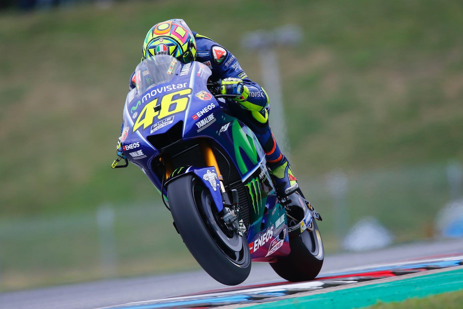 Rossi Keluhkan Performa Motor Yamaha di Trek Basah